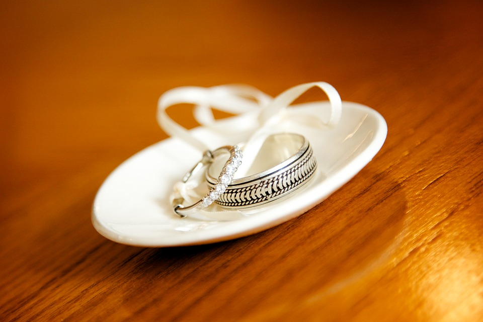 Getting the perfect wedding anniversary ring for him or her